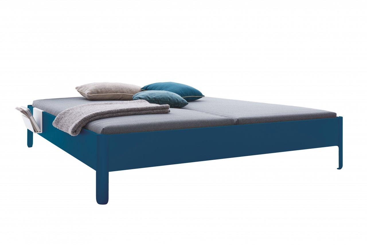 NAIT Doppelbett farbig lackiert