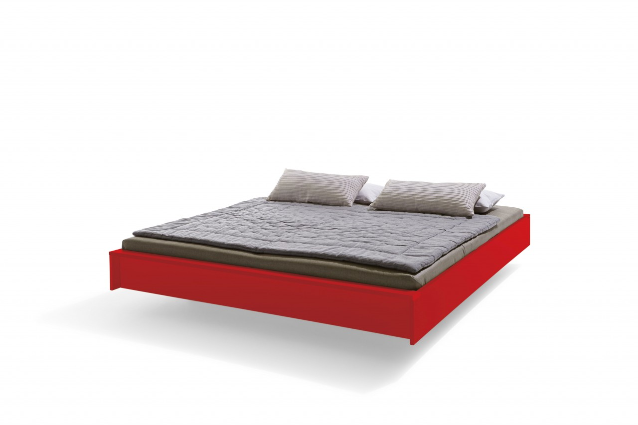 FLAI Bett lackiert