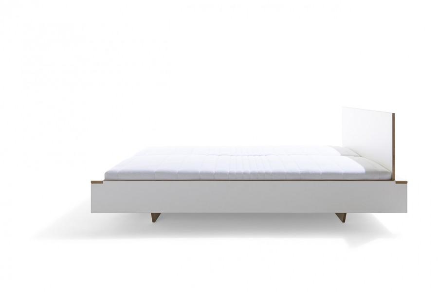 design bett flai mit indirekter beleuchtung m ller m belwerkst tten. Black Bedroom Furniture Sets. Home Design Ideas