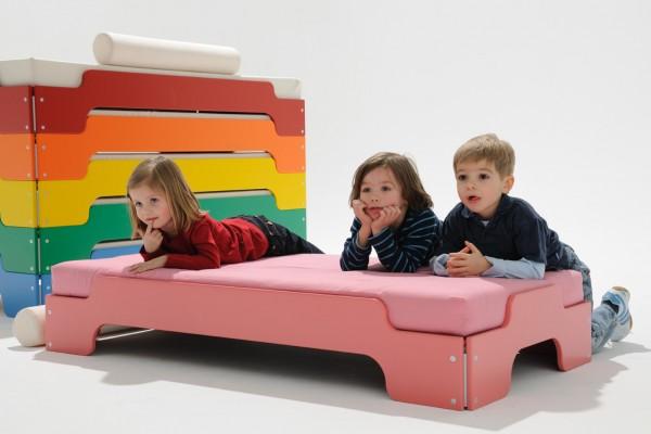 Stapelliege für Kinder, lackiert